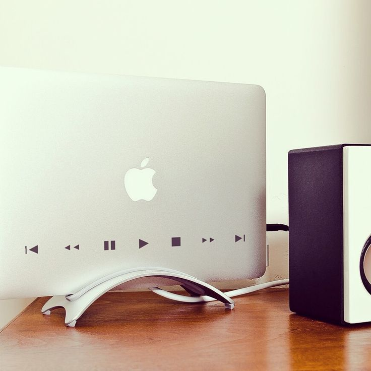 #decal #macbook #apple #gadget #sticker #music #play #tech #vinyl #adhesive http://bit.ly/DecalPlayYourMusic