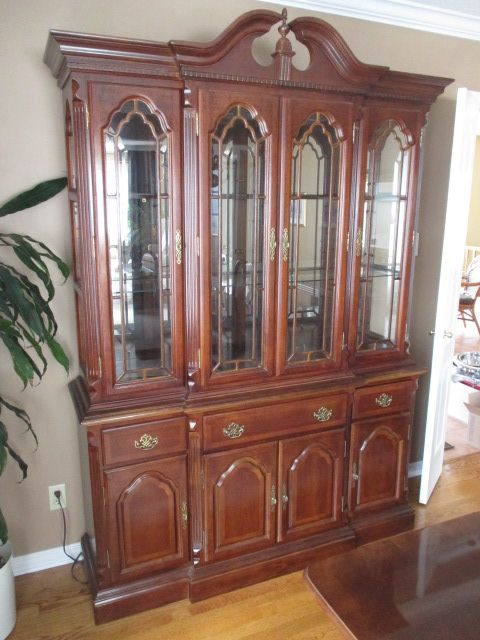 MAHOGANY CHINA CABINET Content sale from pleasant Kanata South home – 27 Brandy Creek Crescent, Ottawa ON. Sale will take place Saturday, May 9th 2015, from 9am to 2pm. Visit www.sellmystuffcanada.com to view photos of all available items!