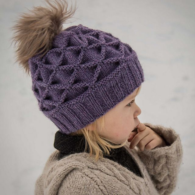 Ravelry: Lille kongle (Little woodland) pattern by Strikkekista