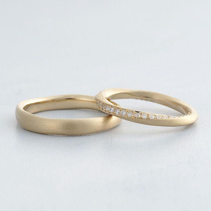 マリッジリング:Rosa(ローザ) ツイストしたラインが素敵な結婚指輪 K18 Gold  ダイヤモンド  wedding ウエディング