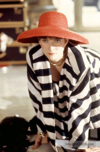 Dirty Rotten Scoundrels. Glenne Headly (1988)