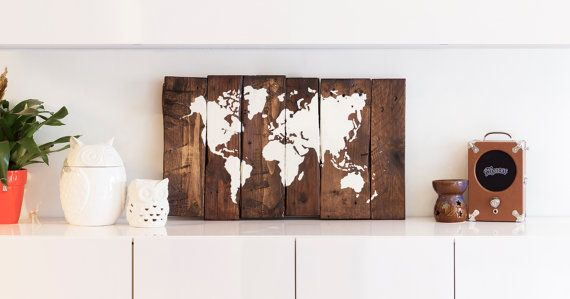 World Map Wood - Reclaimed Pallet Boards - (70x44cm) - (27x16in)