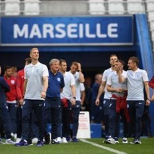 Moda: #Euro #2016: dove #vedere Inghilterra-Russia in diretta (anche streaming) su tv  smartphone e... (link: http://ift.tt/1tjqHT8 )