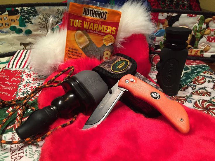 Great stocking stuffers for hunters should fit into a stocking and be affordable. These 2016 gift ideas for hunters are all well under $50.