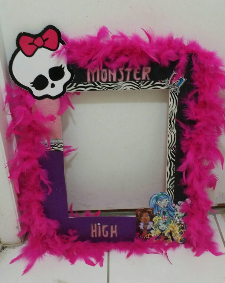 Monster High Birthday photo booth by AlondrasDesigns on Etsy https://www.etsy.com/listing/245911822/monster-high-birthday-photo-booth