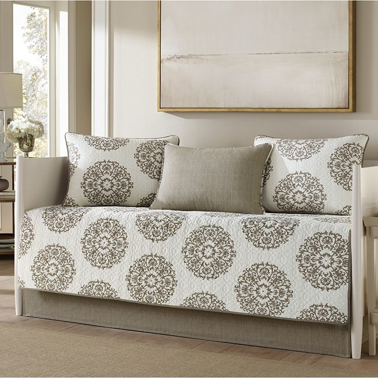 Stone Cottage Medallion Daybed Set   Day Bed Set Includes: One Quilt X Two  Quilted Shams X One Envelope Sham X And One Bedskirt X