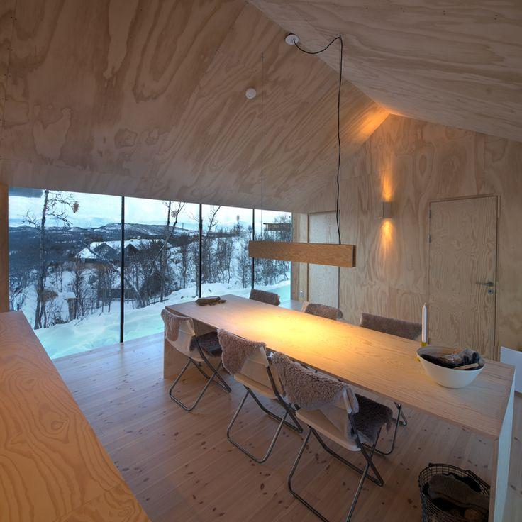 Esstisch in Ferien Lodge mit grandioser Aussicht auf die Berge