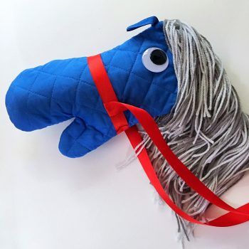 No Sew Stick Horse-Tutorial for creating diy horses with cheap supplies from the…
