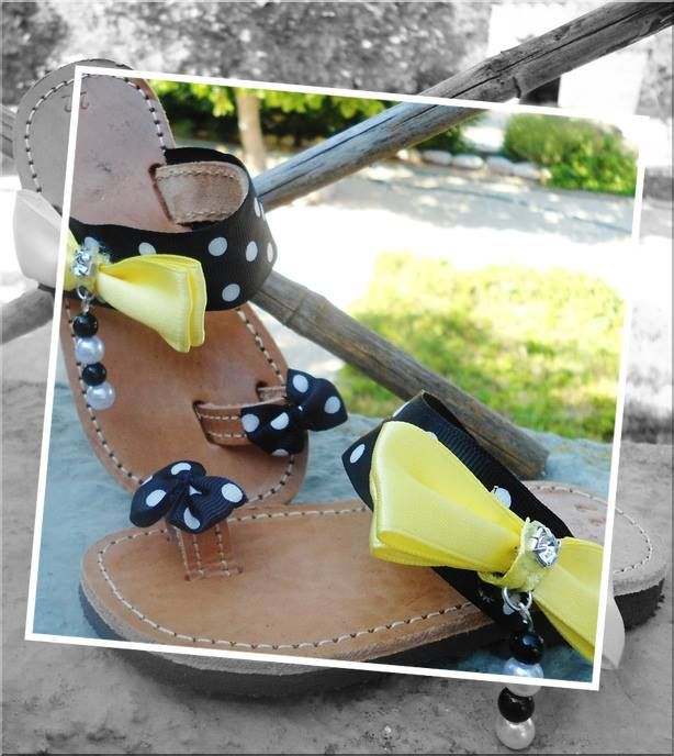handmade cute baby sandals yellow bows and dot ribbon with black and white pearls for little princesses #girlsandals #baby #handmade #summer #dots #bows #χειροποιητα #σανδαλια #κοριτσια #greeksandals #littleprincess