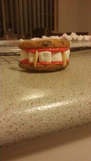 Vampire teeth (halloween)
