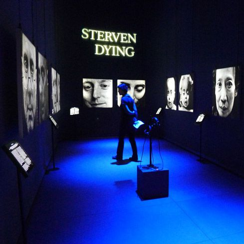 KOSSMANN.DEJONG - PROJECTS. Interesting and creative exhibition design, dark blue and black