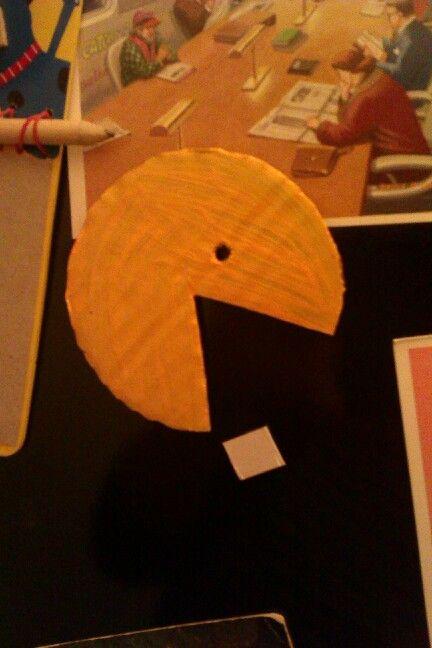 Pacman hutomagnes kartonbol/Pacman magnet made of cardboard