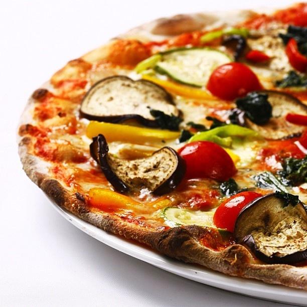 Famosi Per La Pizza #piolaankara #piola #pizza #restaurant