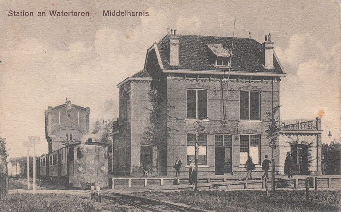 middelharnis station en watertoren RTM