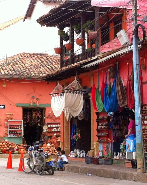 Travelling time! #VillaDeLeyva #Raquira #Colombia http://www.agasuitcase.com/2015/05/visiting-villa-de-leyva-and-raquira.html #TravelWithAga