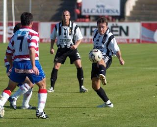 Gran reto para la Copa del rey, Balona-Atl.Bilbao Temporada 2005 al 2006. Liguilla de ascenso a segunda B. Balona 1 Granada 0 Fue una buena temporada, la Balona quedó tercera y se clasificó para la liguilla de ascenso. Todos a Apoyar a la Real Balompédica Linense.