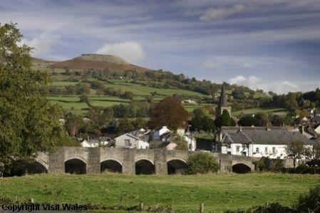 Crickhowell Wales, bridge over Usk River