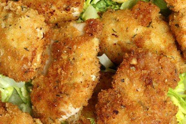 Ha változtatni szeretnél a klasszikus rántott húson, így tedd! A fűszeres csirkemell mindenkinek ízlik majd.