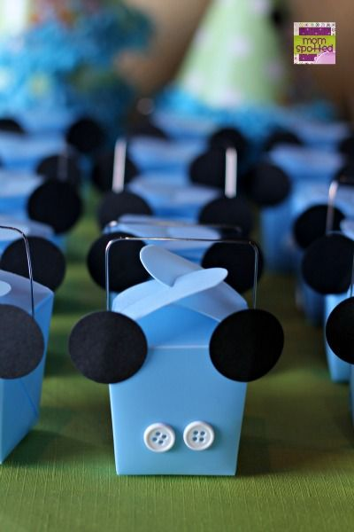 http://momspotted.com/wp-content/uploads/2013/05/Mickey-Mouse-1st-Birthday-favor-party-boxes.jpg