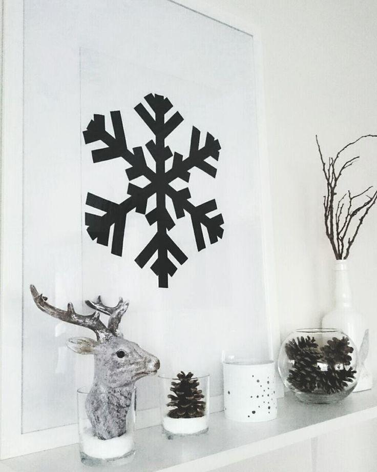 Hópehely, fekete szigszalag....Snowflake, black electrical tape ....Diy