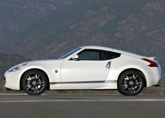 Мощный Nissan 370Z