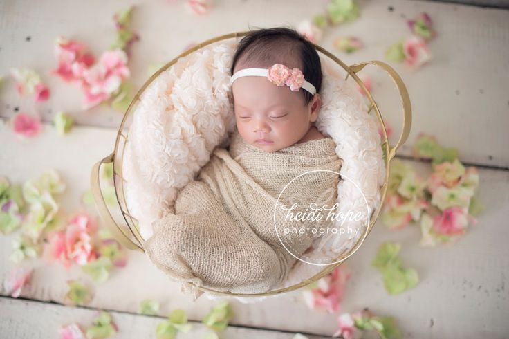 Newborn Photography | Delicate & Feminine | Whimsical | Snuggle Tight | Spring Inspiration #heidihope