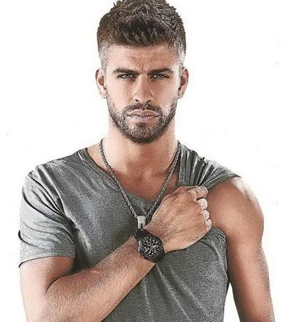 Gerard Pique - futbol (soccer) player for Barcalona. My heart throbbing crush, but also his fitness is inspiring. Plus, he dates Shakira, which just makes me want to belly dance.