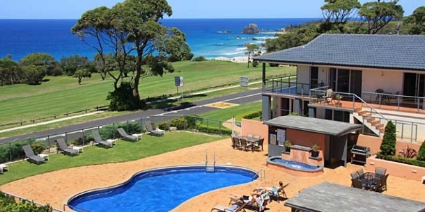 Oceania / Australia / Narooma ->  We are a | Oceanside Apartments and Motel with resort facilities    Where | Overlooking the ocean in beautiful Narooma, on the NSW South Coast    Why stay | For the friendly atmosphere, the varied accommodation, the stunning views and the golf course | www.SwapNights.com