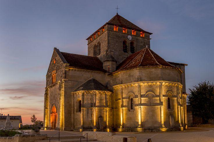 Illuminazione esterna per edifici di culto in Francia