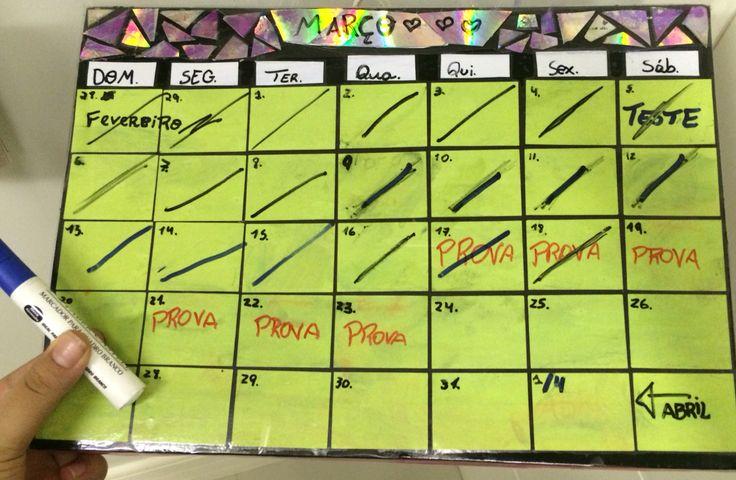 "vamos fingir que tá lindo   Btw, calendário ""apagável""~~   #drywet #calendar #hurry #schoolsupplies #organization"