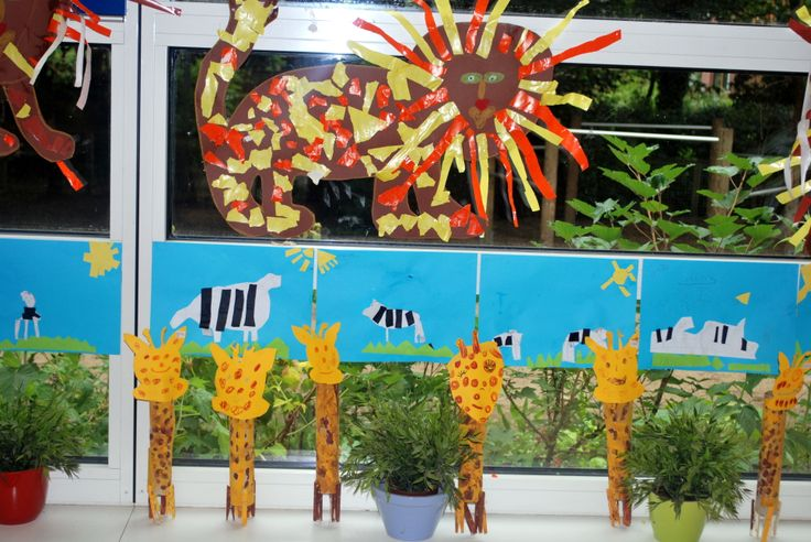Giraf van keukenrol en knijpers Zebra zelf ontwerpen Leeuw als groepswerk