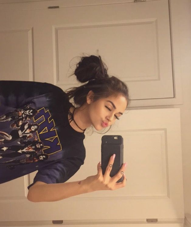 Pin By Evi Grazhdani On Maggie  Selfie Poses, Instagram -8330