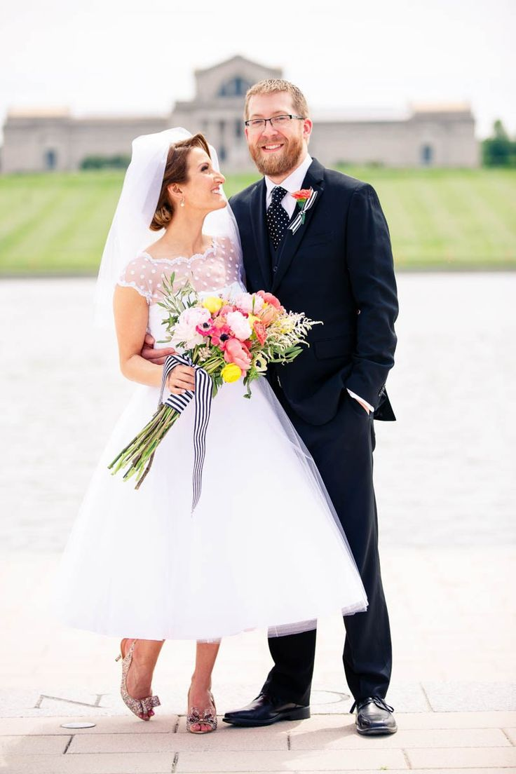 A CASUAL LAID BACK WEDDING WITH THE BRIDE IN A CANDY ANTHONY DRESS | PHOTOGRAPHY: http://www.oldaniphotography.com
