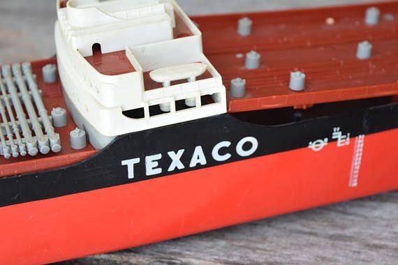 Oil Tanker Model SS Texaco North Dakota Plastic Model Wen