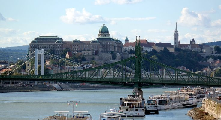 Budapest - Szabadság-híd - Erzsébet - híd - Budai vár
