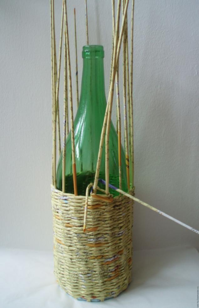 Оплетенный бутыль (Плетение из газет) - Ярмарка Мастеров - ручная работа, handmade