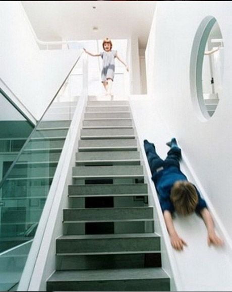 les 25 meilleures id es de la cat gorie escalier toboggan. Black Bedroom Furniture Sets. Home Design Ideas
