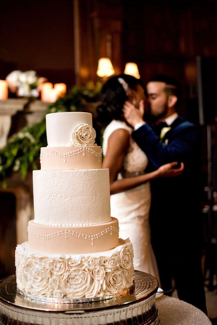Romantic Wedding Cake | Photo: Amy Anaiz Photography.