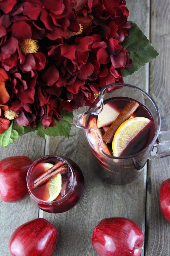 Spiced Apple Cider Sangria filled with hints of orange, cinnamon, and clove..so warm and inviting: Apples Cider Sangria, Orange Slices, Apple Cider Sangria, Red Wine, Spices Apples, Fall, Christmas, Cocktails, Sangria Recipes