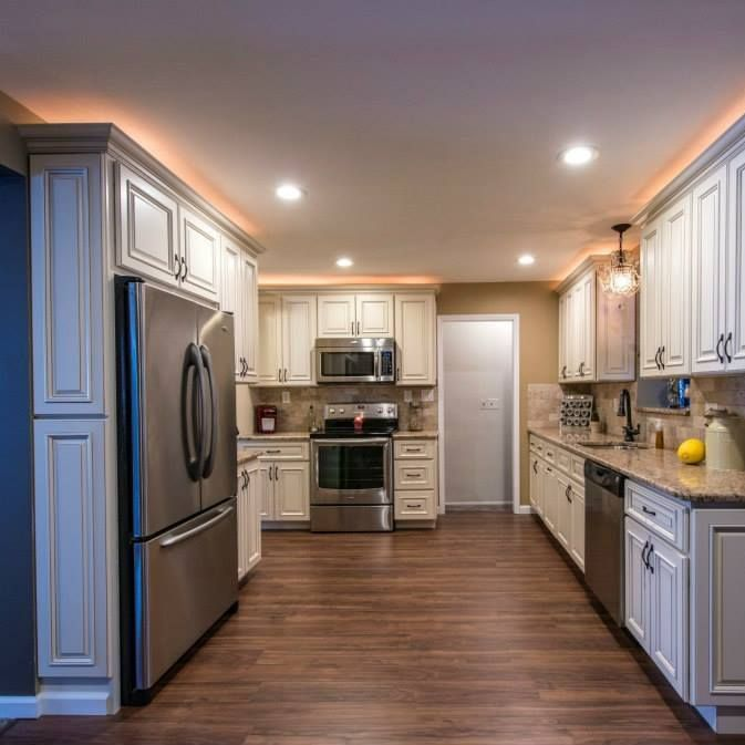 25+ Best Ideas About Over Cabinet Lighting On Pinterest