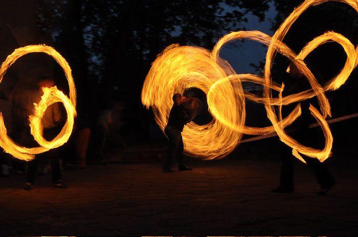 Edu Art – Edukacja Artystyczna – fireshow, klaun na urodziny, pokazy baniek mydlanych, szczudlarze – Fireshow – galeria