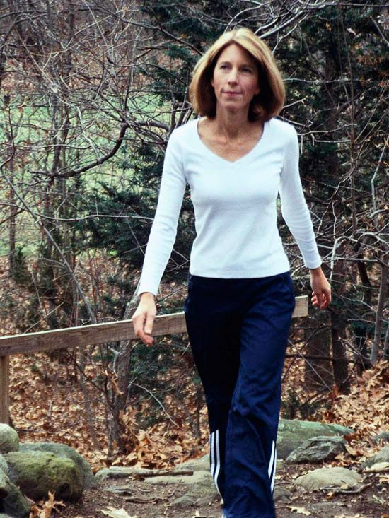 Easy 12-Wk Walking Prog    Wk 5 & 6-Keep it interesting by changing routes & music & add intervals to 1 or 2 walks a wk: Str by walking 5 mins @ a steady pace. Then walk as fast as U can for 90 sec. Recover for the next 90 sec by walking @ a leisurely pace. If UR outside & without a watch, speed up from 1 light pole 2 the next. Repeat another 4 times & cool down with a 5-min stroll. In the coming wks, expand high-intensity portions or cut relaxed ones by 15 sec when UR ready 2 take it up a…