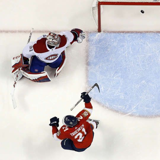SUNRISE, FL - DECEMBER 30: Vincent Trocheck #21 of the Florida Panthers scores against Goaltender Carey Price #31 of the Montreal Canadiens at the BB&T Center on December 30, 2017 in Sunrise, Florida. (Photo by Eliot J. Schechter/NHLI via Getty Images)