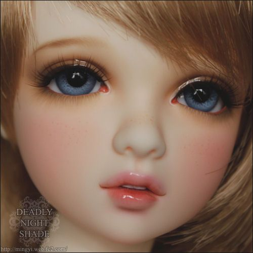 if i ever get a doll, i have a feeling i'll be seeking mingyi out to do the faceup (face painting)