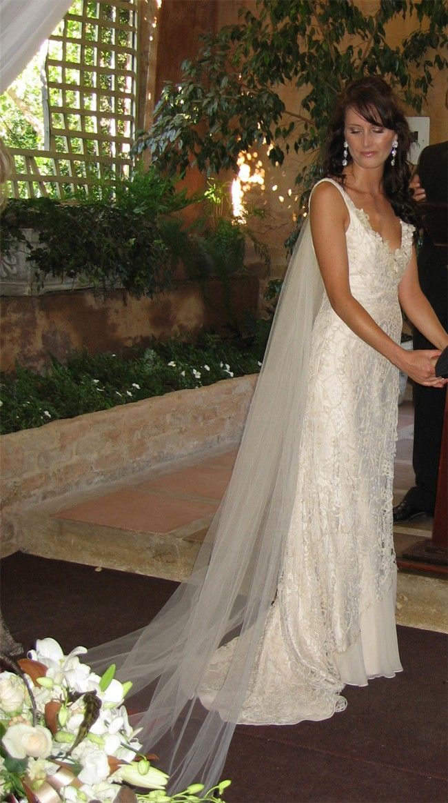 Suzanne Harward Lace Size 8 Wedding Dress For Sale | Still White Australia