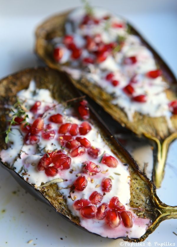 Aubergines façon Ottolenghi - Eggplant with buttermilk sauce and pomegranate