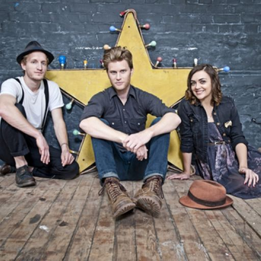 The Lumineers - Other Stage, #Glastonbury 2013 (Friday). Listen with YouTube, Spotify, Rdio & Deezer on LetsLoop.com