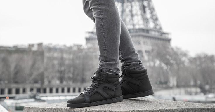VO7 Newton 777 #vo7 #vo7shoes #streetchic #footwear #mode #homme #shooting #blacknwhite #photographie #noiretblanc #kotd #Paris #TourEiffel #Seine #streetfashion