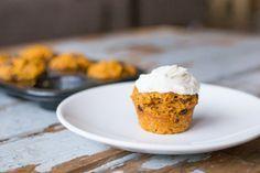 Gezonde Carrot Cake Cupcakes met griekse yoghurt topping