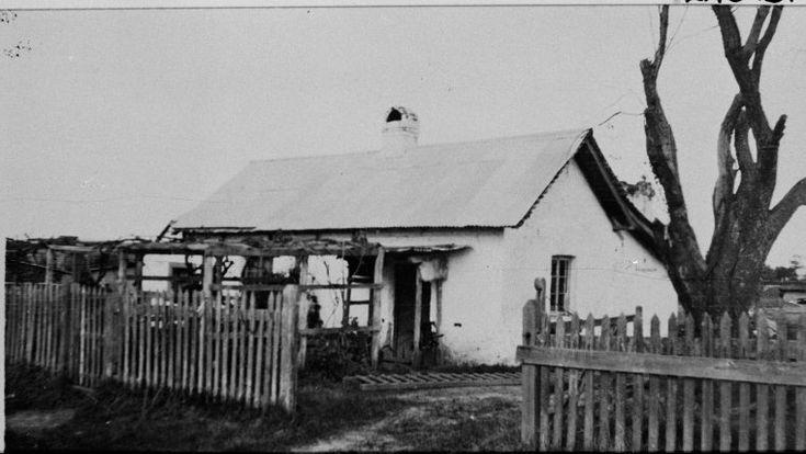 024673PD: Cottages built for Enrolled Pensioner Guards, Surrey Street, West Guildford (later renamed Bassendean), ca. 1920. http://encore.slwa.wa.gov.au/iii/encore/record/C__Rb2987220__Sbassendean%20cottages__Orightresult__U__X1?lang=eng&suite=def